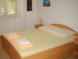 Iznajmljivanje apartmana - Soba s bračnim krevetom